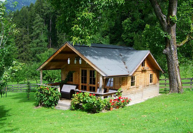 Mały domek bez pozwolenia. Czemu warto go wybrać?